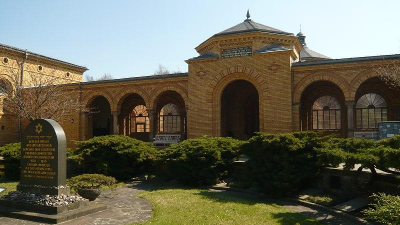 exkursion-juedischer-friedhof-min